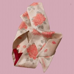 Auth Valentino Garavani Rare Silk Rose Twilly Wrap